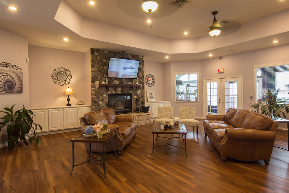 Relaxing clubhouse at Hills of Aberdeen Apartment Homes in Valparaiso, Indiana