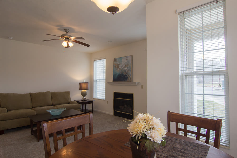 Living room at Hills of Aberdeen Apartment Homes in Valparaiso, Indiana