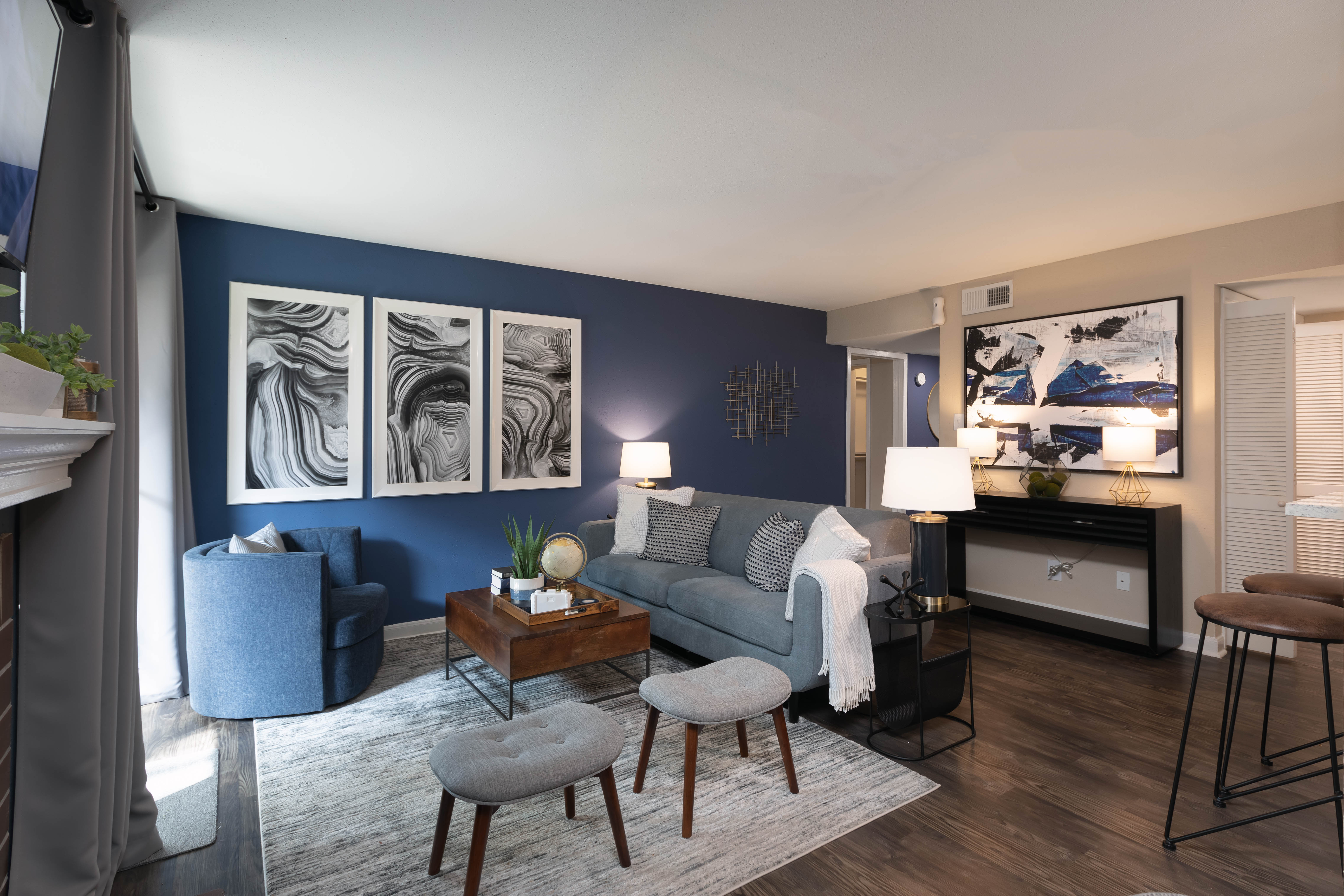 View virtual tour of a Two Bedroom apartment at Finley West in Houston, Texas
