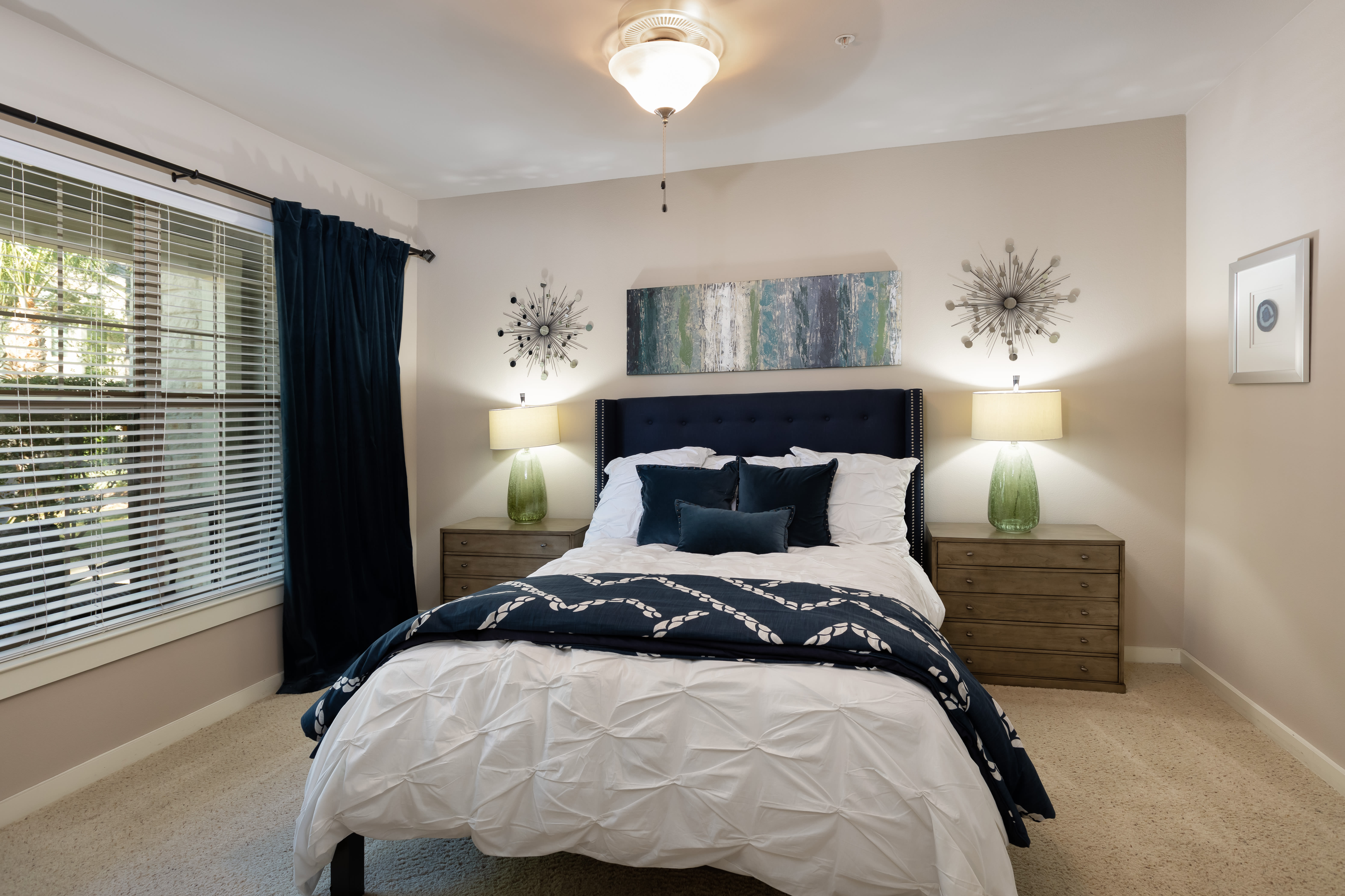 View virtual tour for a two bedroom apartment at Lakefront Villas in Houston, Texas