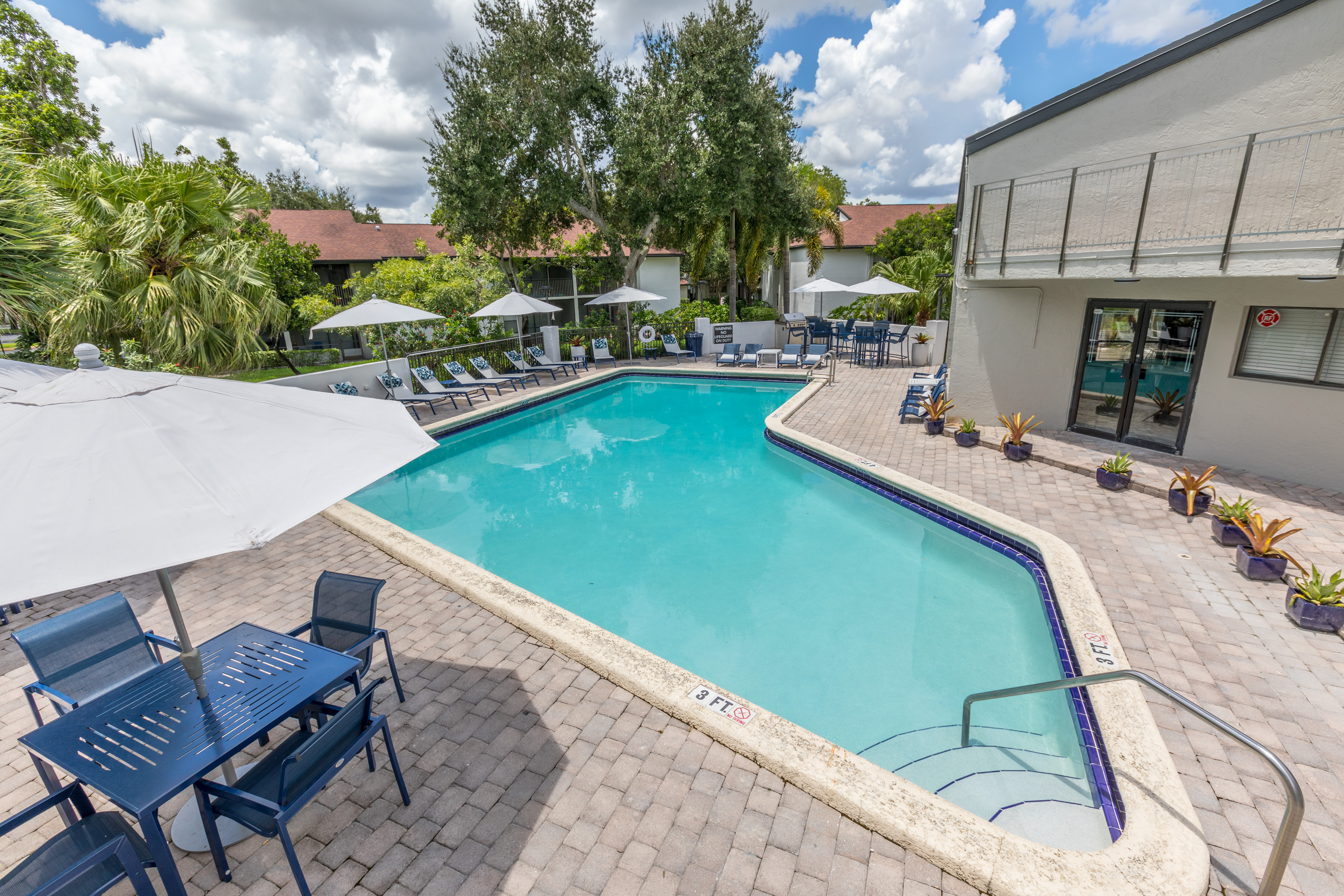 View virtual tour for the pool at Siena Apartments in Plantation, Florida