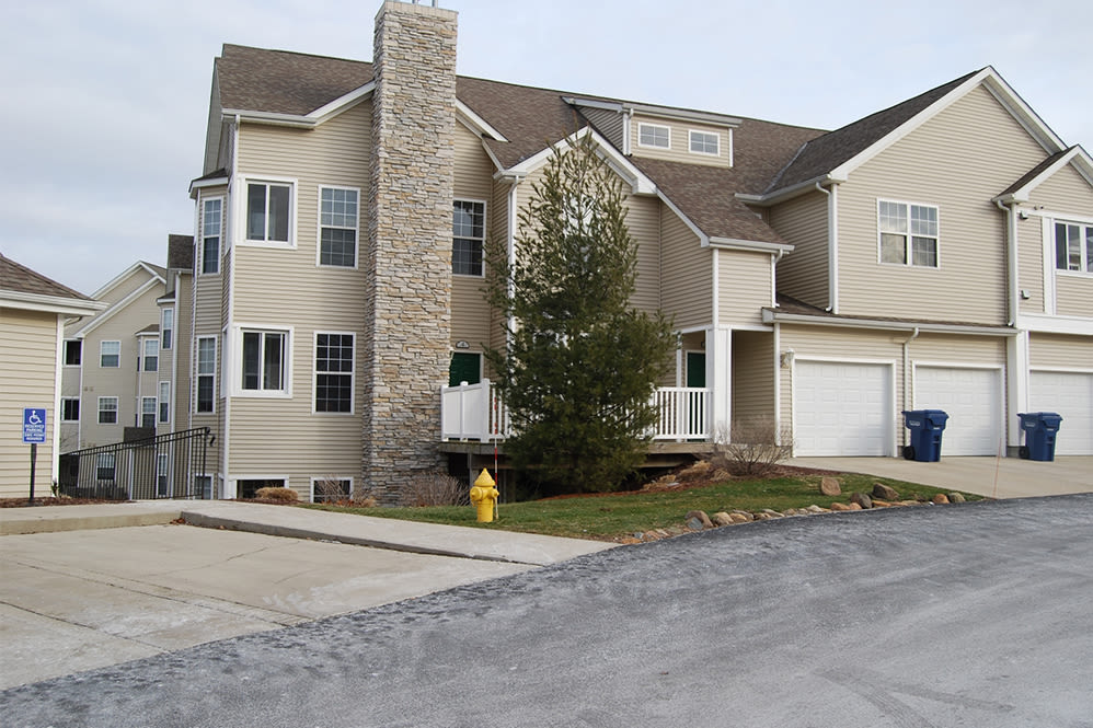 Garages available at Hills of Aberdeen Apartment Homes in Valparaiso, Indiana