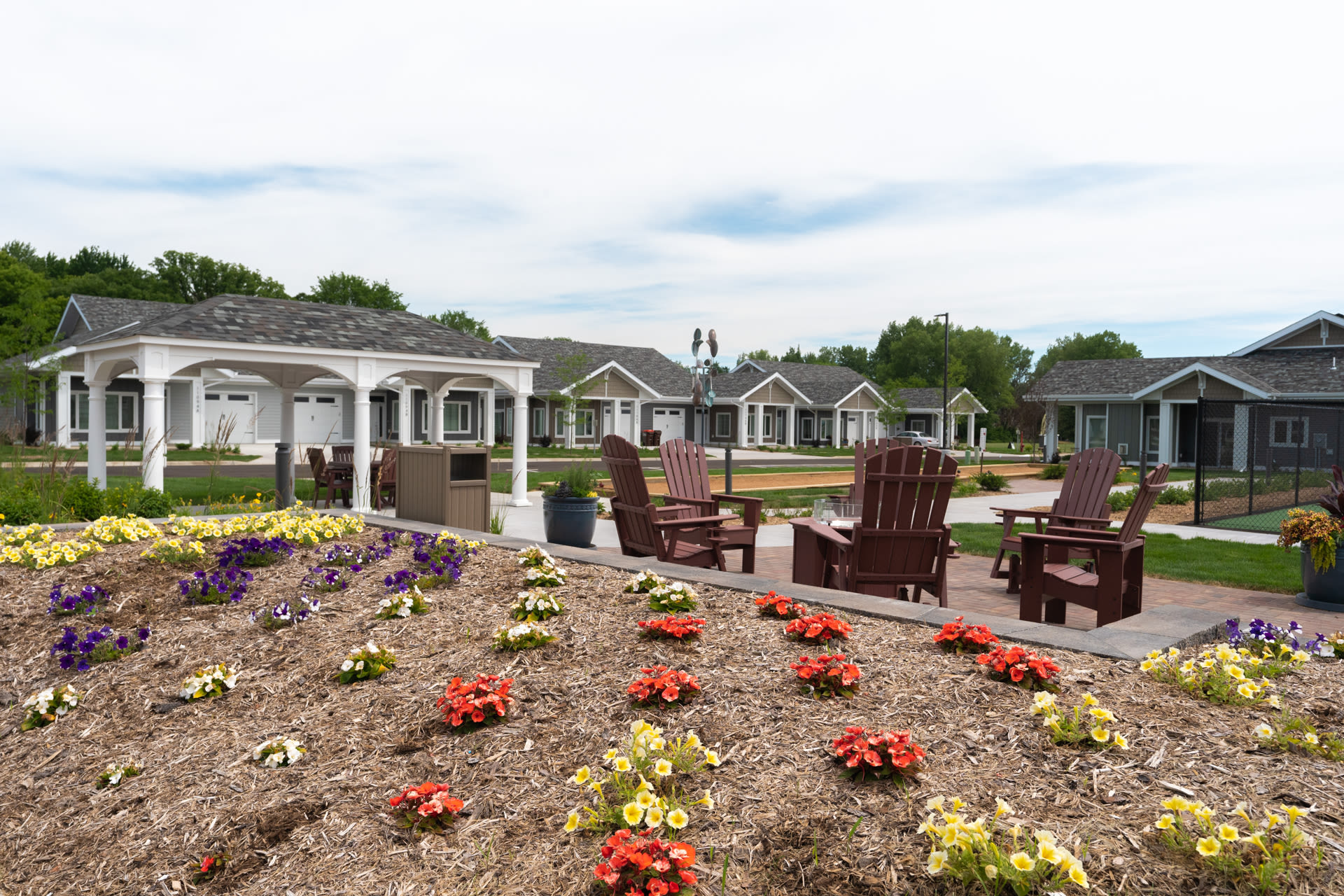 garden and lounge area at The Fields at Arbor Glen in Lake Elmo, Minnesota