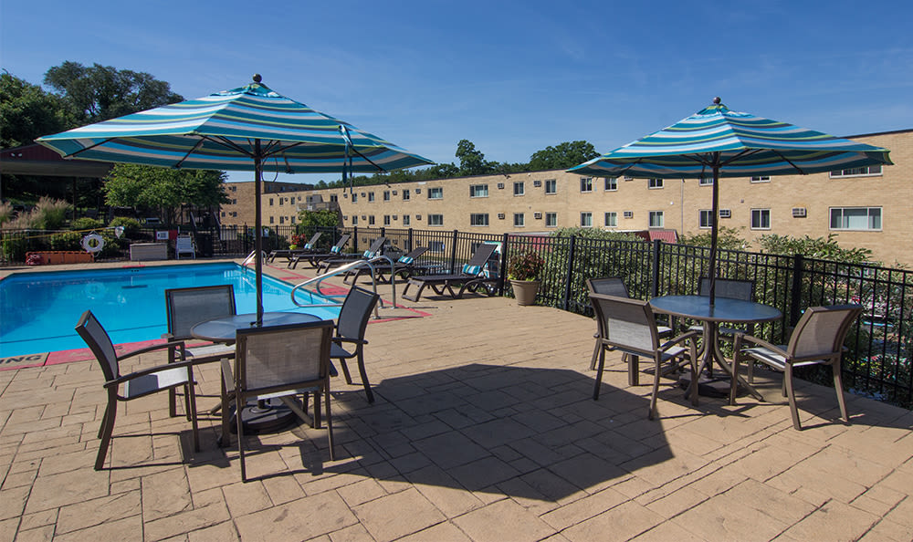 Sundeck at Park Place of South Park in South Park, Pennsylvania