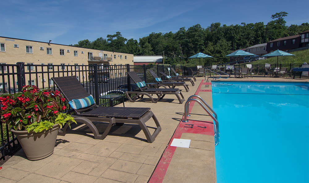 Relaxing swimming pool at Park Place of South Park in South Park, Pennsylvania