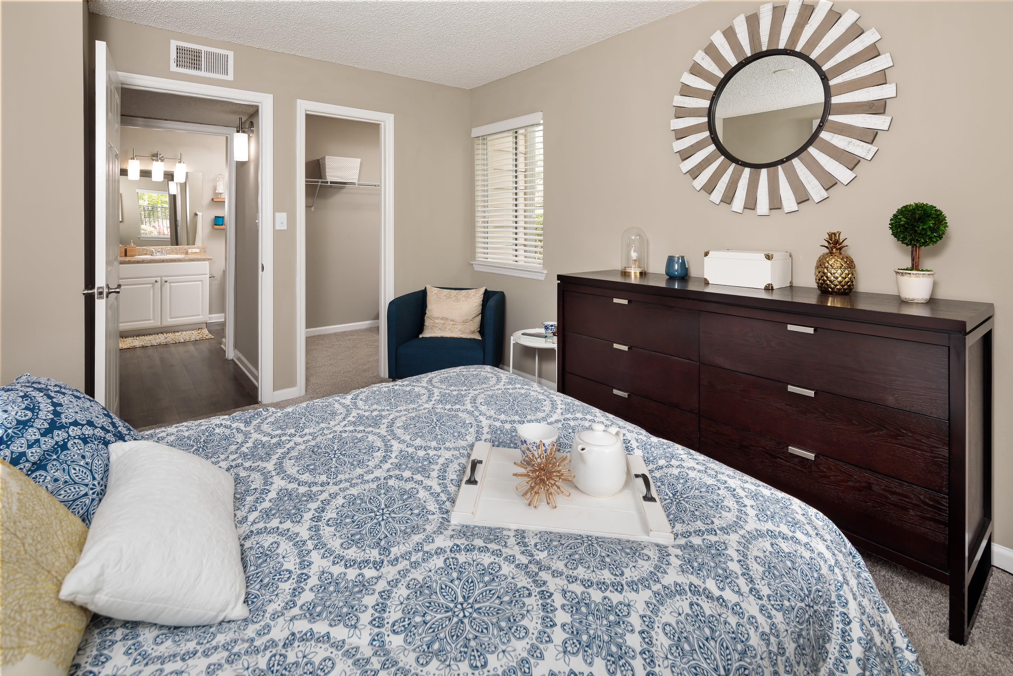A bedroom in an apartment at 1801 MetroWest in Orlando, Florida