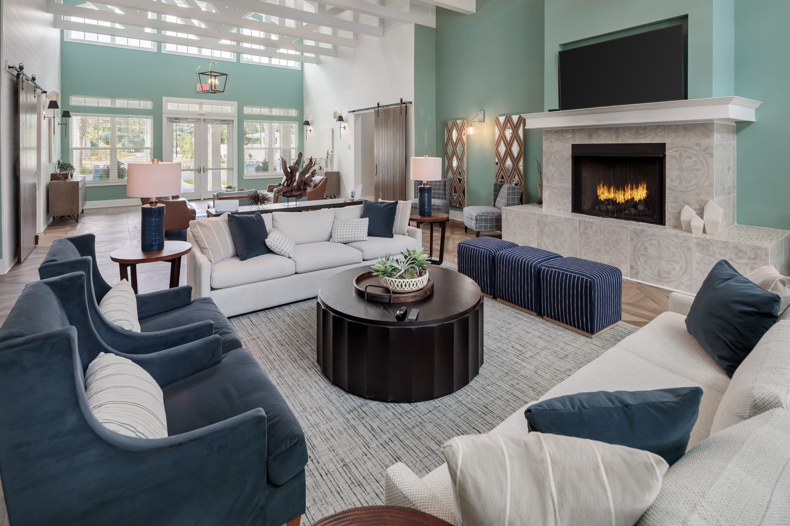resident lounge area at The Mason in Ladson, South Carolina