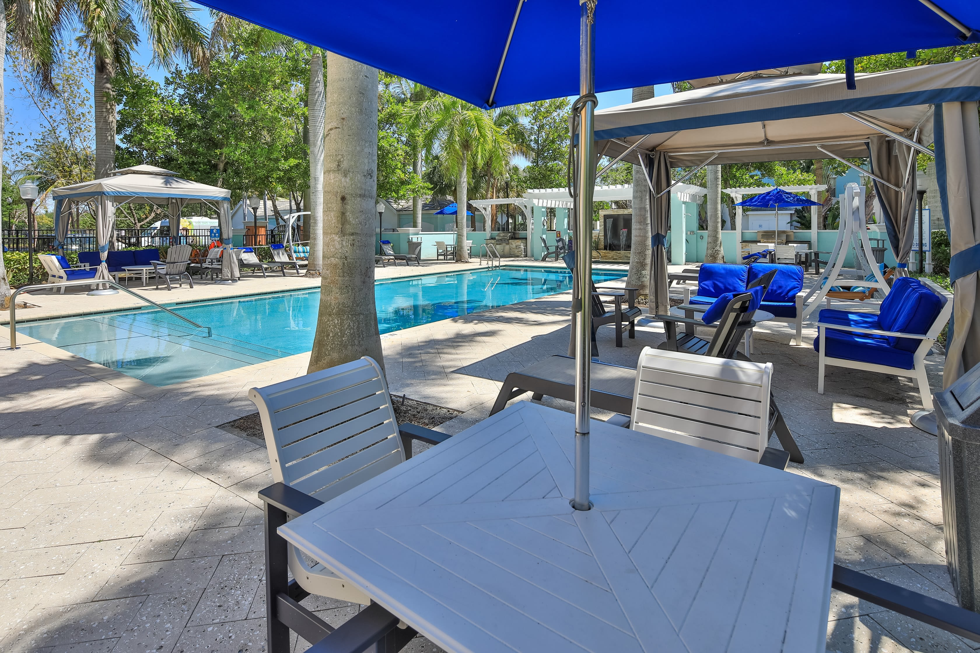 Resort-style swimming pool at The Pearl in Ft Lauderdale, Florida