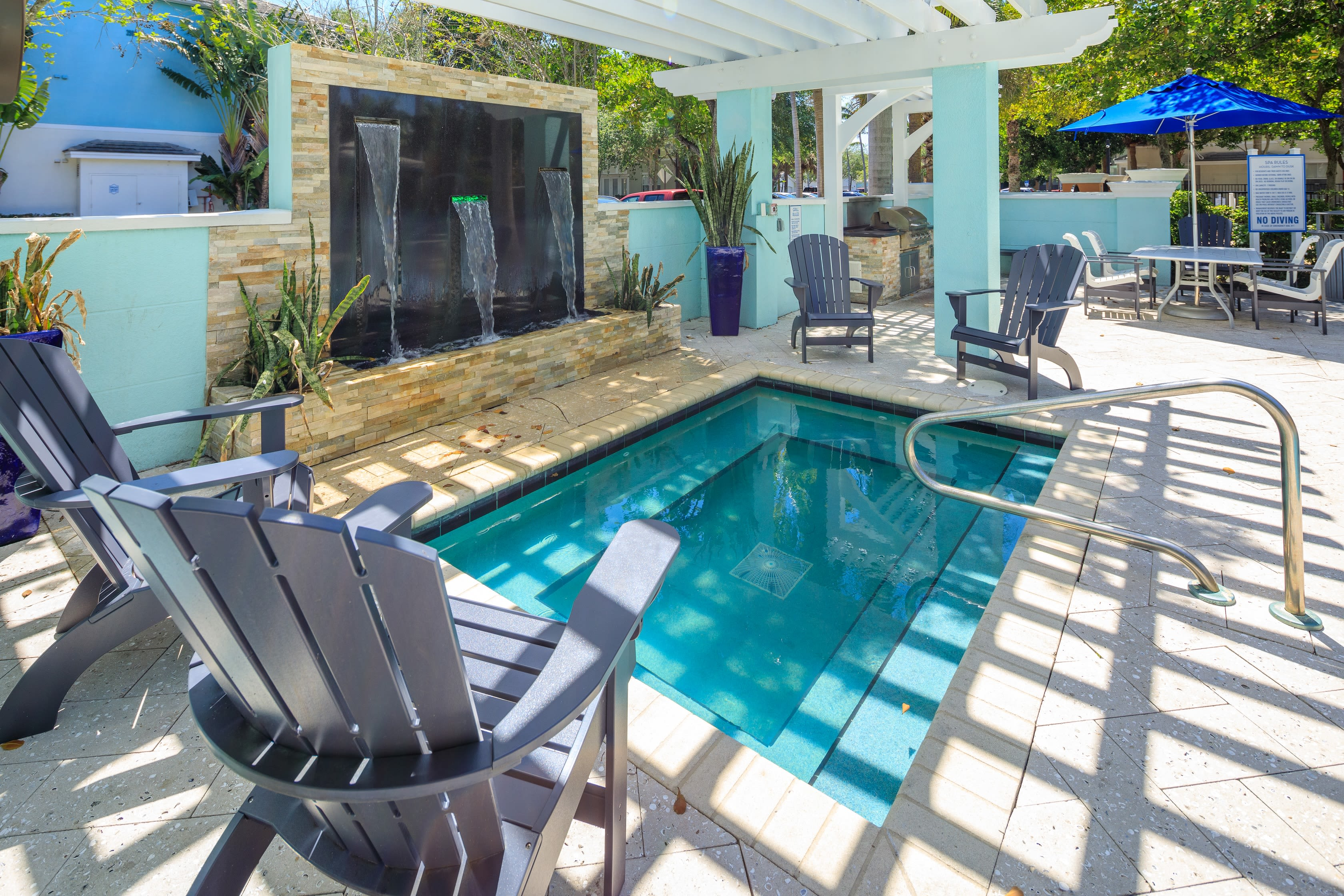 Outdoor area for residents to enjoy at The Pearl in Ft Lauderdale, Florida