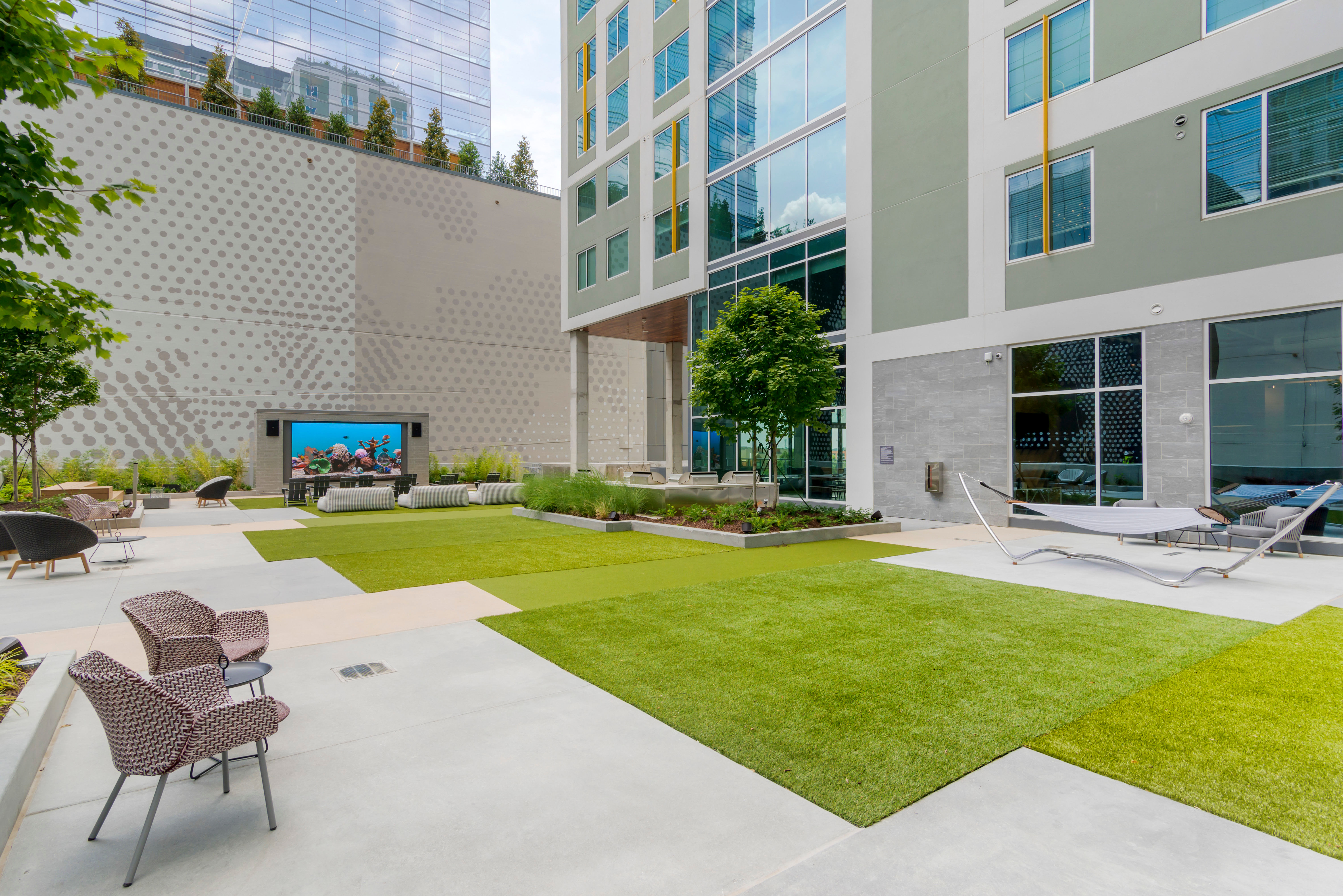 Outdoor lounge area for student residents at HERE Atlanta in Atlanta, Georgia