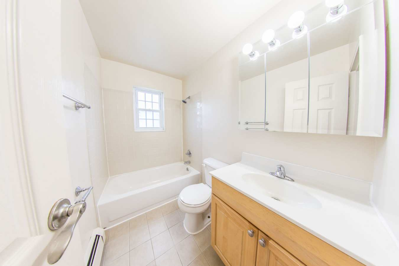 Model bathroom at The Manors in Pomona, New York