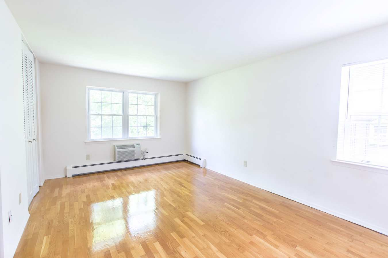 Spacious floor plans at The Manors in Pomona, New York