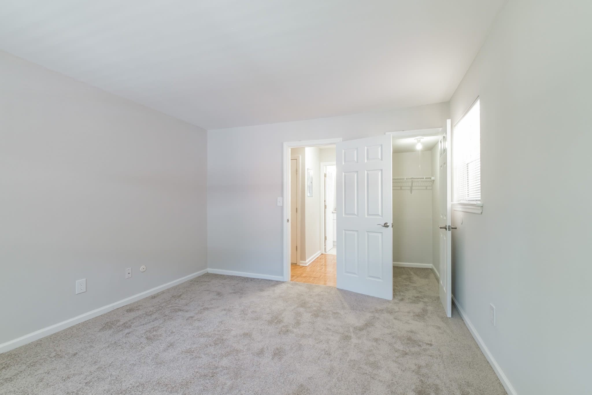 Spacious, carpeted rooms at Eagle Rock Apartments at North Plainfield in North Plainfield, New Jersey