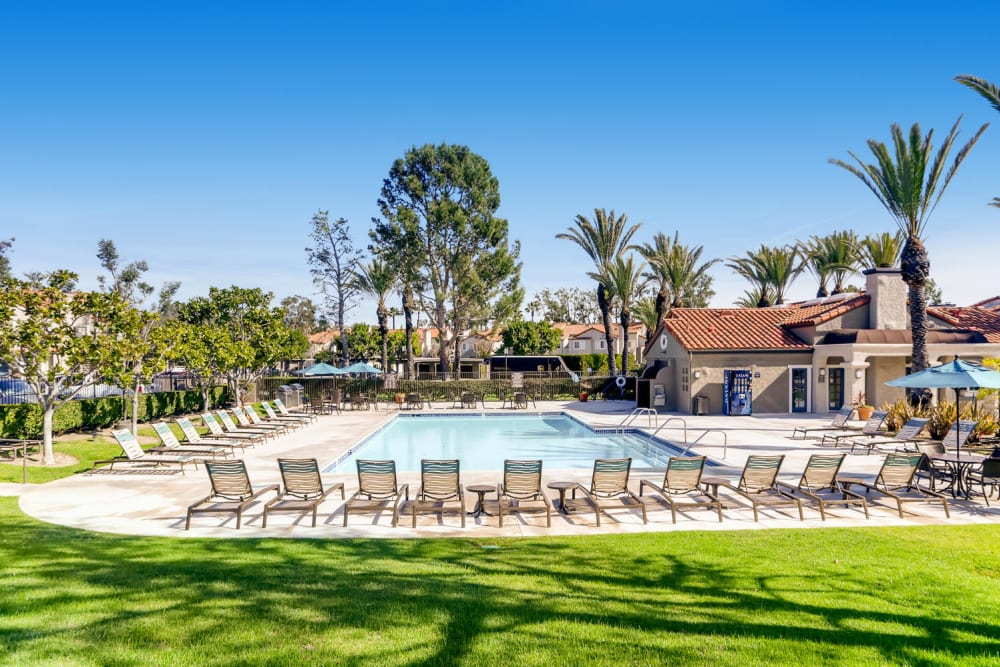 Resort-style swimming pool at Hidden Hills Condominium Rentals in Laguna Niguel, California