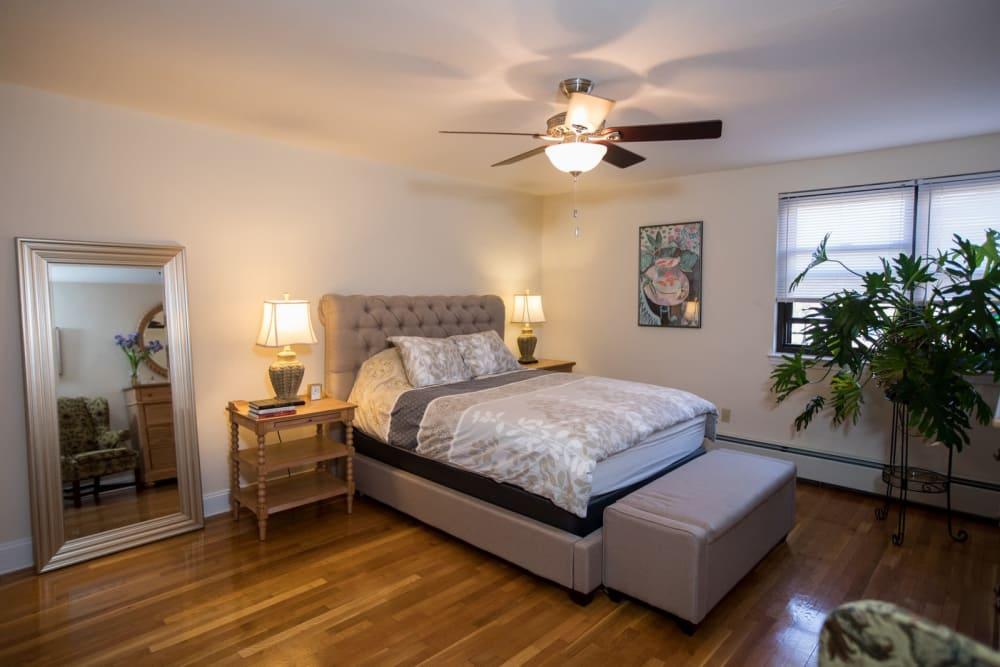 Open bedroom floor plan at Englewood Village