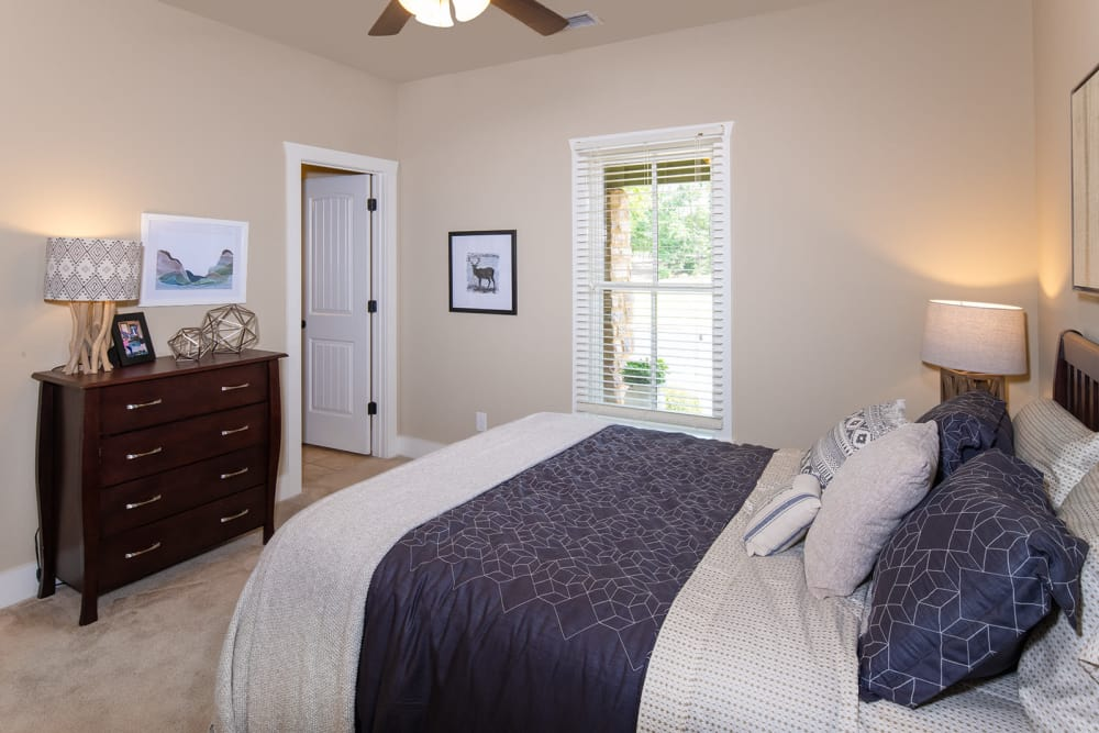 The Cottages of Hattiesburg bedroom in Hattiesburg Mississippi