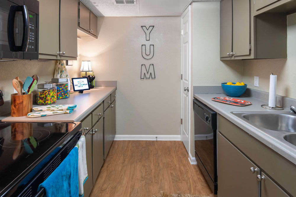 Modern kitchen at Raiders Walk Apartments in Lubbock