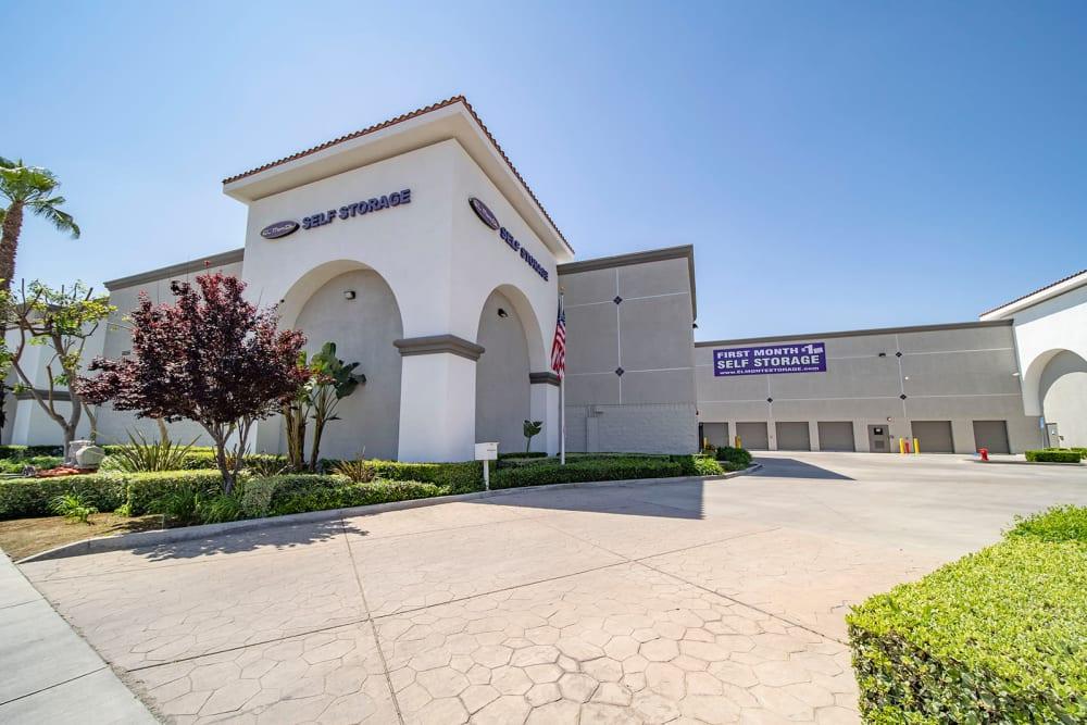 Exterior of the main entrance and parking lot at El Monte Storage in El Monte, California