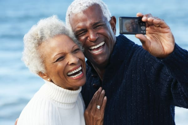A place to make new friends at Pacifica Senior Living Oakland Heights