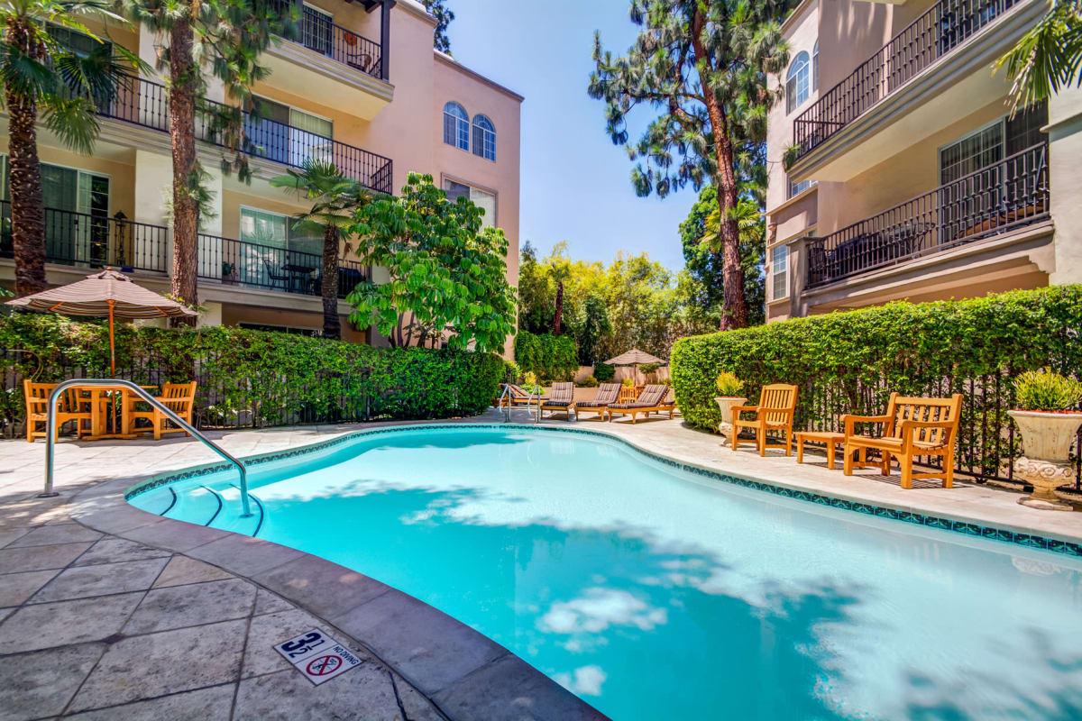 View our L'Estancia property in Studio City, California
