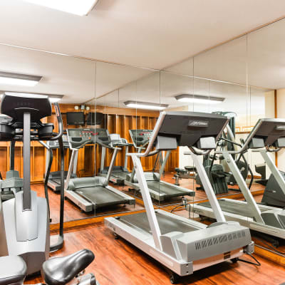 Link to reserve amenities at Village Pointe in Northridge, California