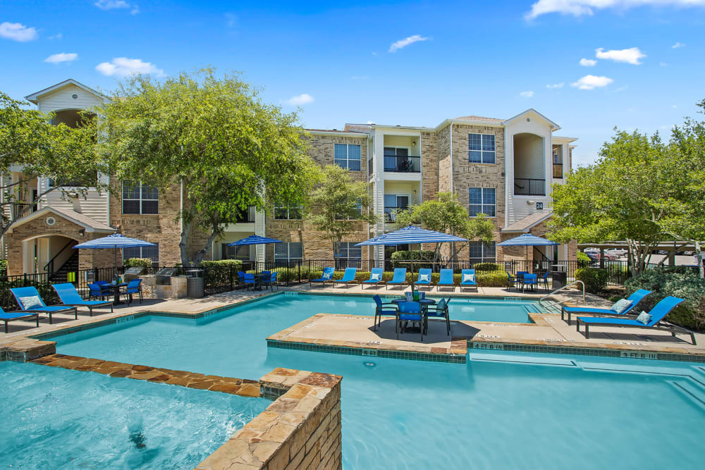 Apartments with a Swimming Pool in San Antonio, Texas