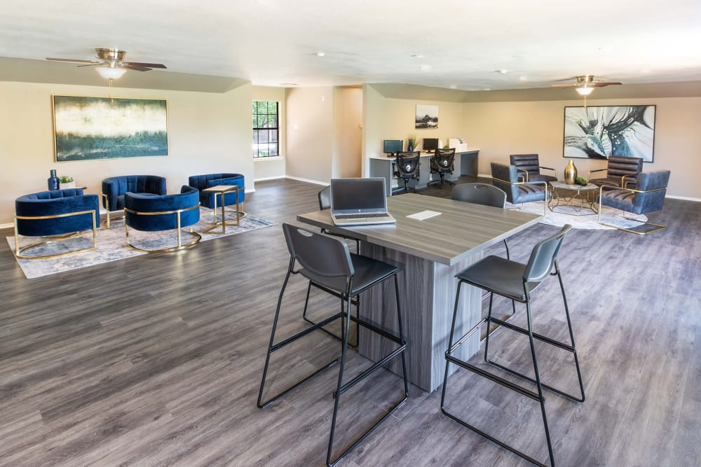 Enjoy Apartments with a Clubhouse at Carrollton Park of North Dallas