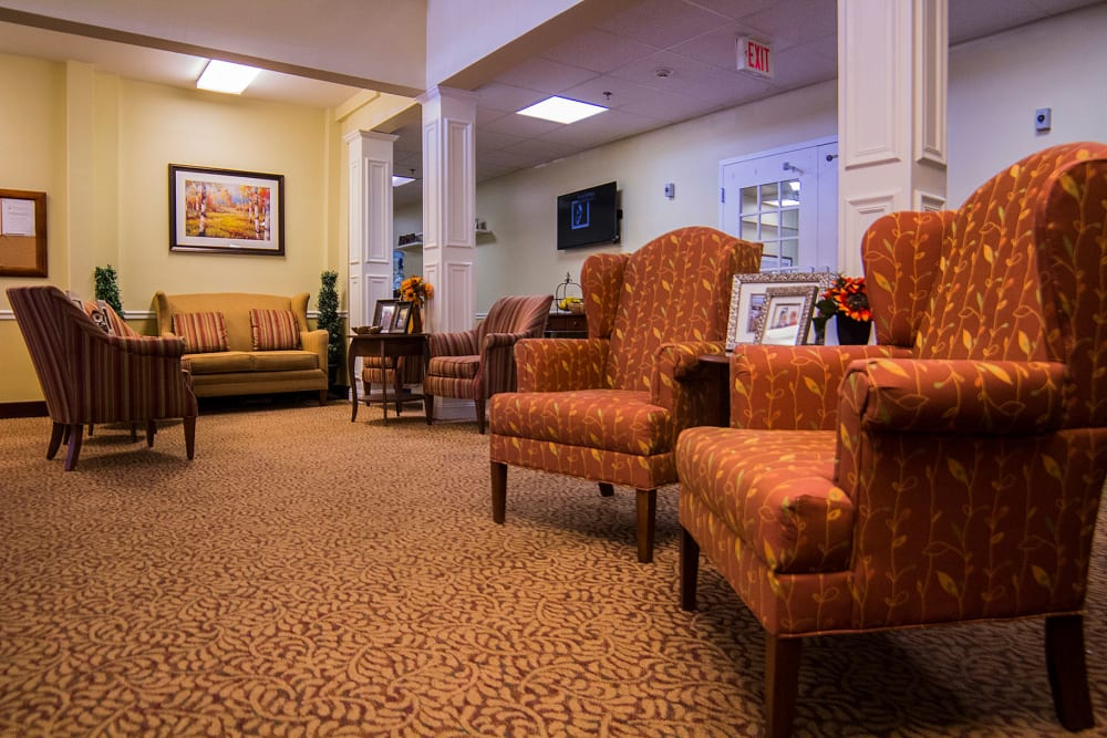 Community seating at The Village at Bellevue in Nashville, Tennessee
