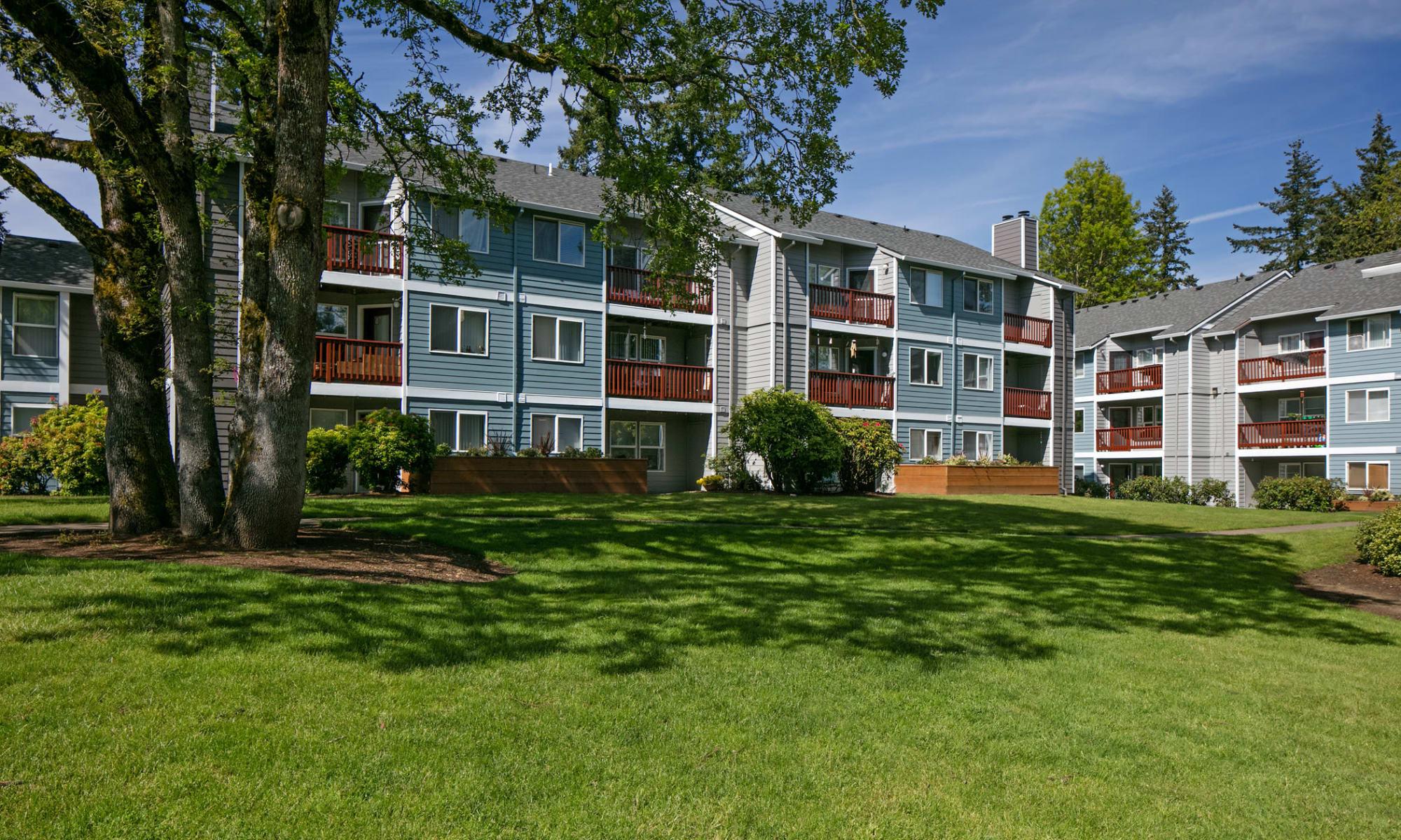Apartments at Heatherbrae Commons in Milwaukie, Oregon