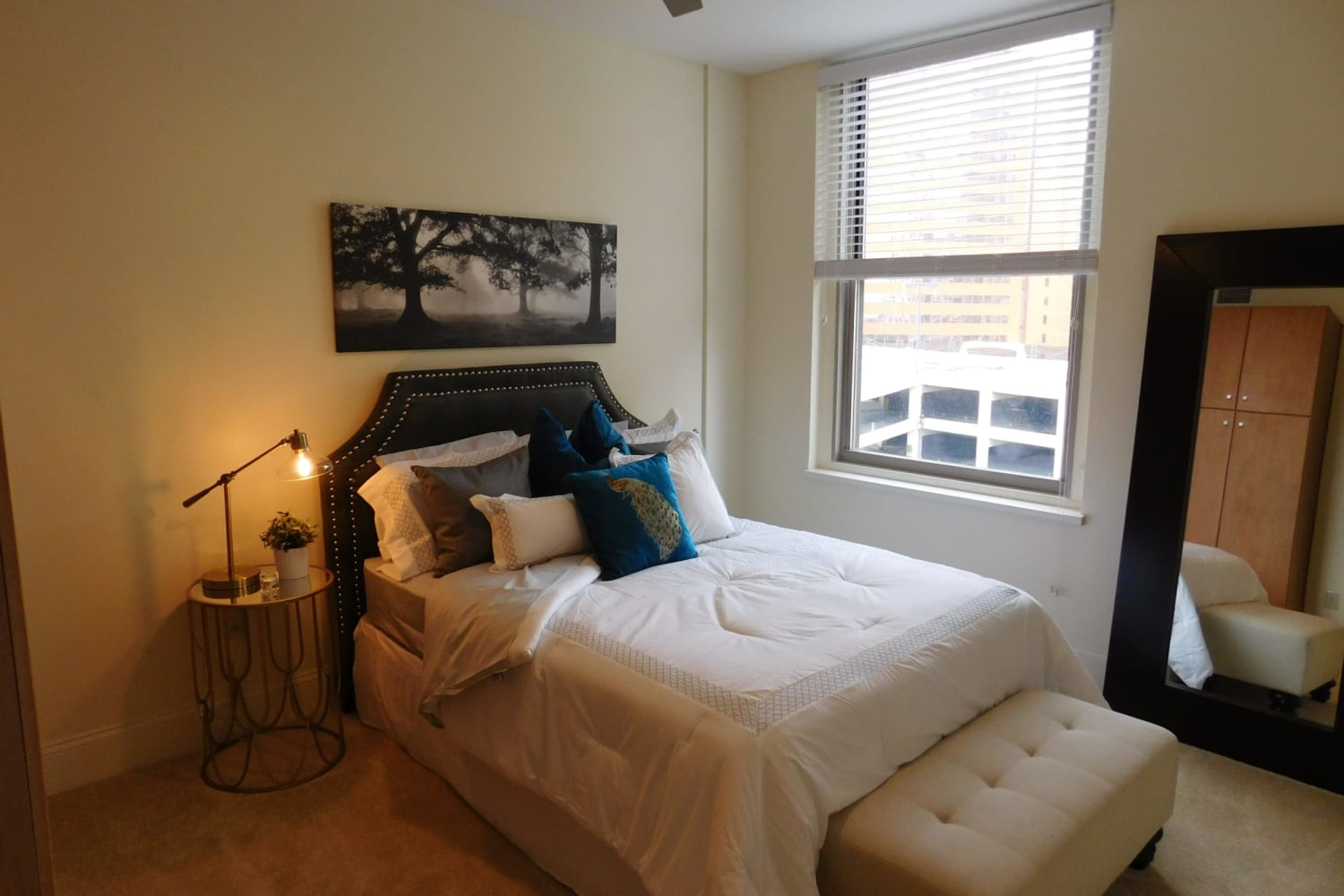 The Reserve at 4th and Race model bedroom