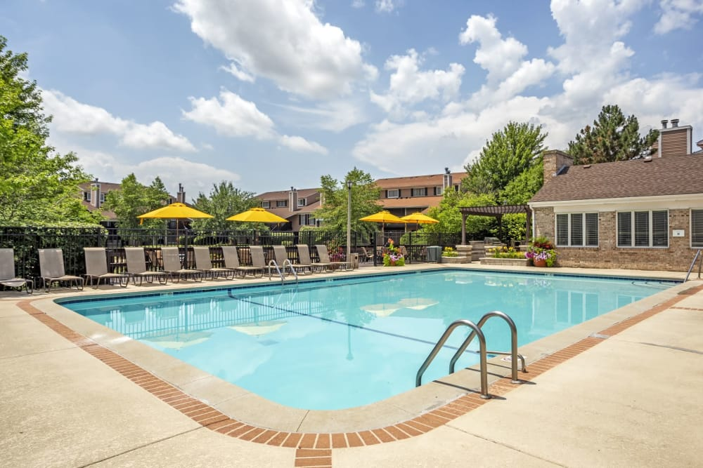 Pool Deck at Aspen Place