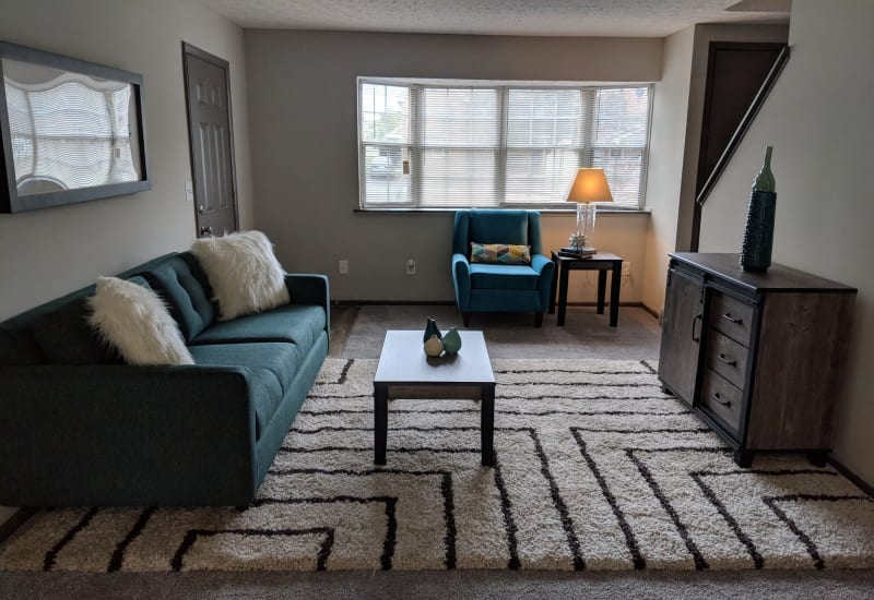 Spacious living room at Worthington Meadows in Columbus, Ohio