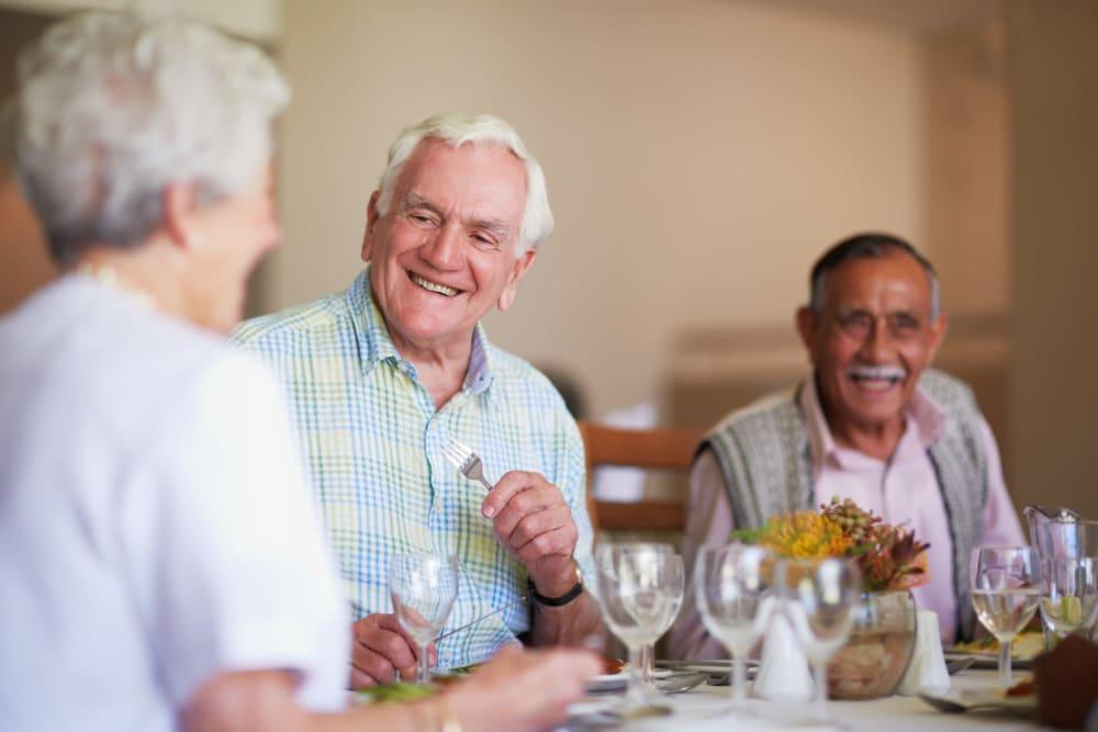 Residents enjoy restaurant style dining at Courtyard Estates at Cedar Pointe in Pleasant Hill, Iowa.