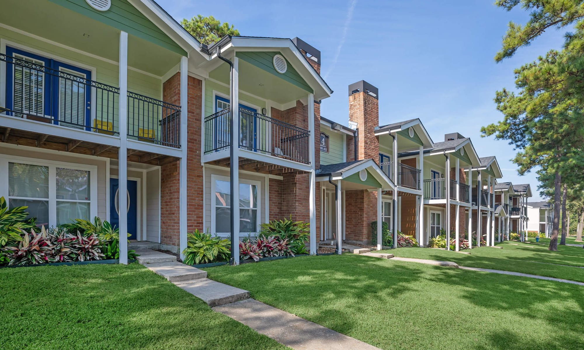 Roundhill Townhomes in Houston, Texas
