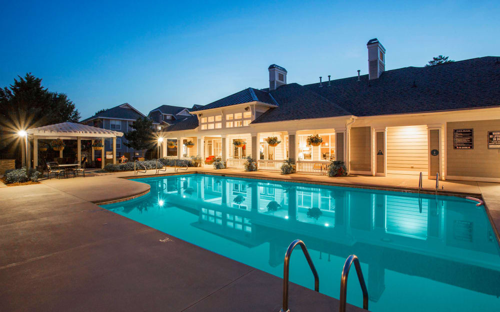 Link to amenities at The Seasons at Umstead in Raleigh, North Carolina