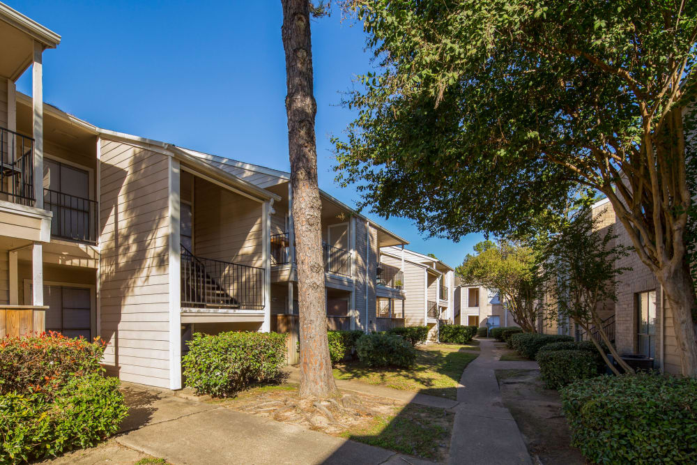 pathway through apartment exterior at Morgan Bay in Houston, Texas