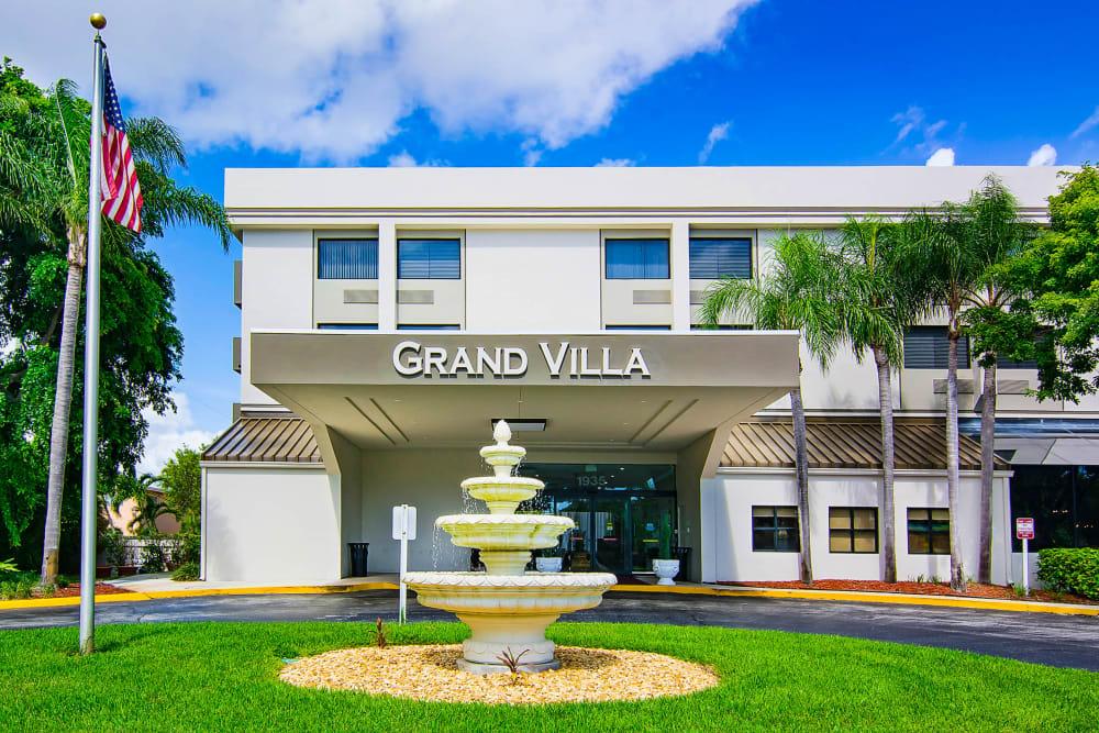 Fountain outside Grand Villa of Boynton Beach in Florida