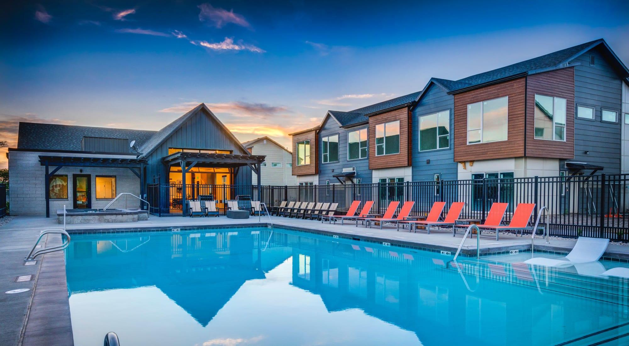 Apartments at Hawthorne Townhomes in South Salt Lake, Utah