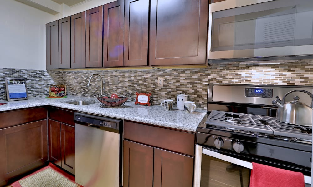 Westerlee Apartment Homes offers a kitchen in Baltimore, MD