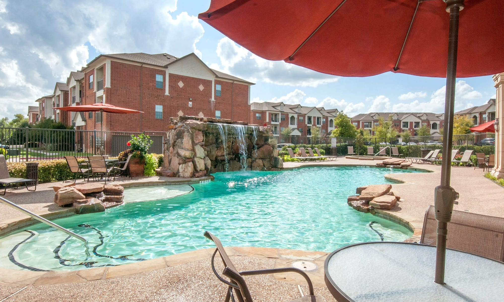 Apartments at The Landing at Mansfield in Mansfield, Texas