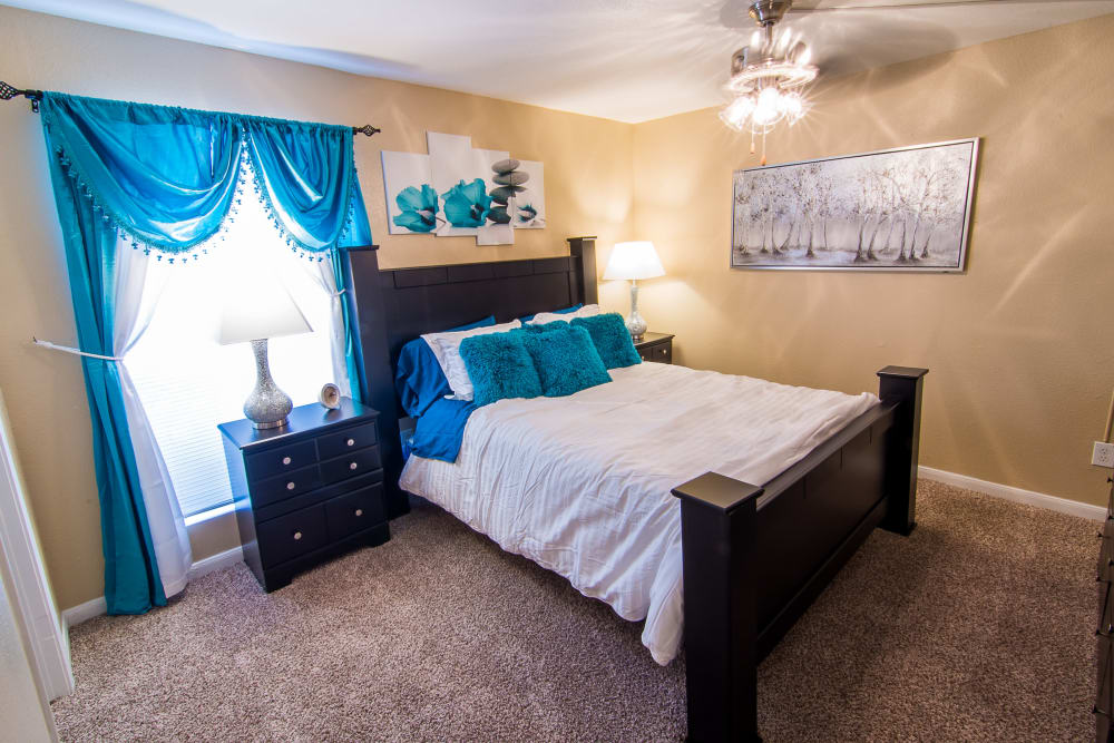 Parkside Apartments offers a spacious bedroom in Humble, Texas