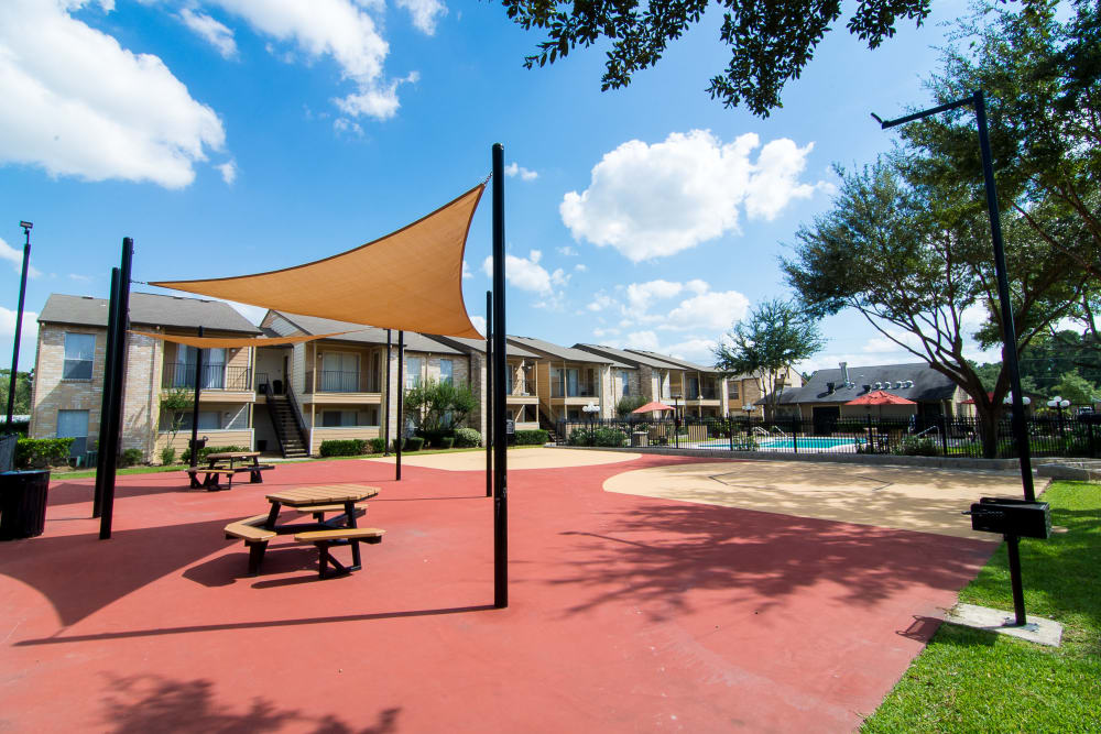 Spacious outdoor at Parkside Apartments