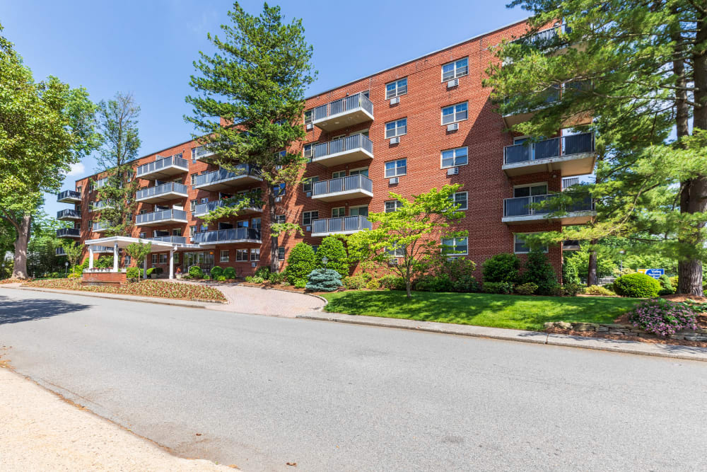 Hamilton Court apartments in Morristown, New Jersey