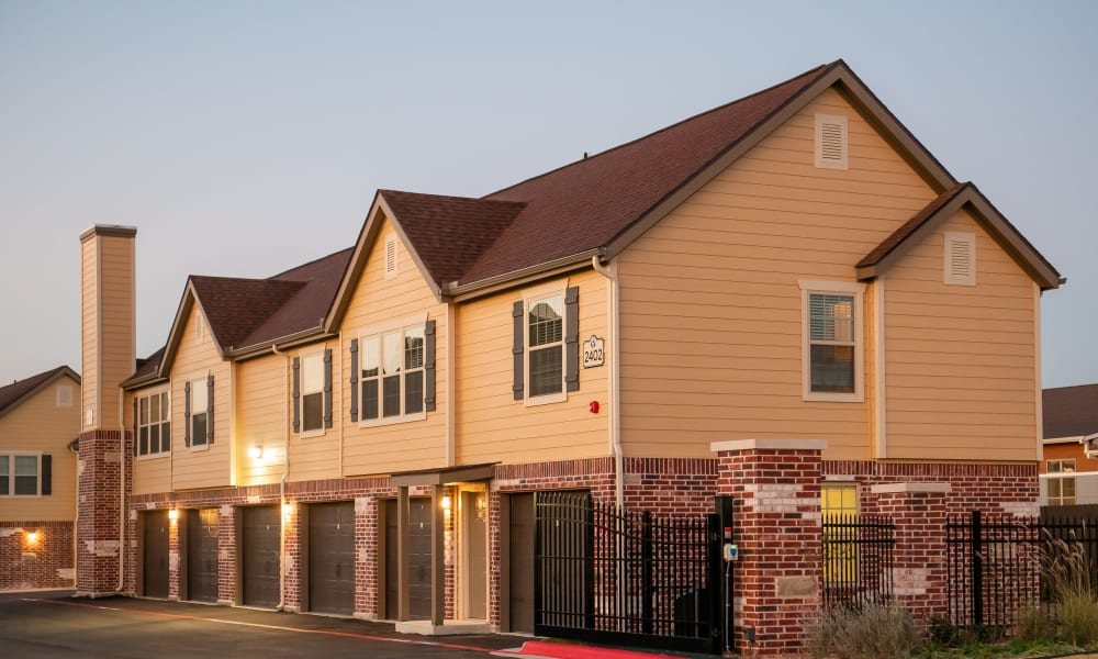 Exterior of Portico at Friars Creek Apartments in Temple, Texas