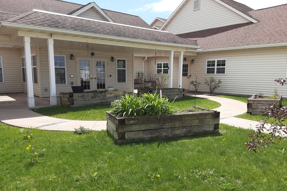 Outside grounds at Milestone Senior Living in Eau Claire, Wisconsin.