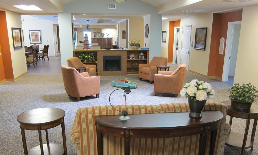 A memory care common room at Touchmark at Mount Bachelor Village in Bend, Oregon