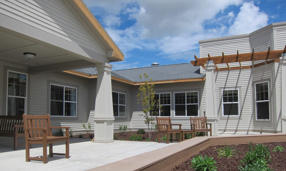 A memory care outdoor space at Touchmark on West Prospect in Appleton, Wisconsin