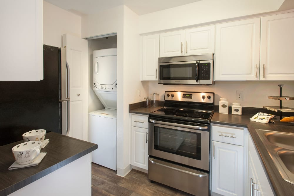 Apartment kitchen at Mill Springs Park Apartment Homes in Livermore, California