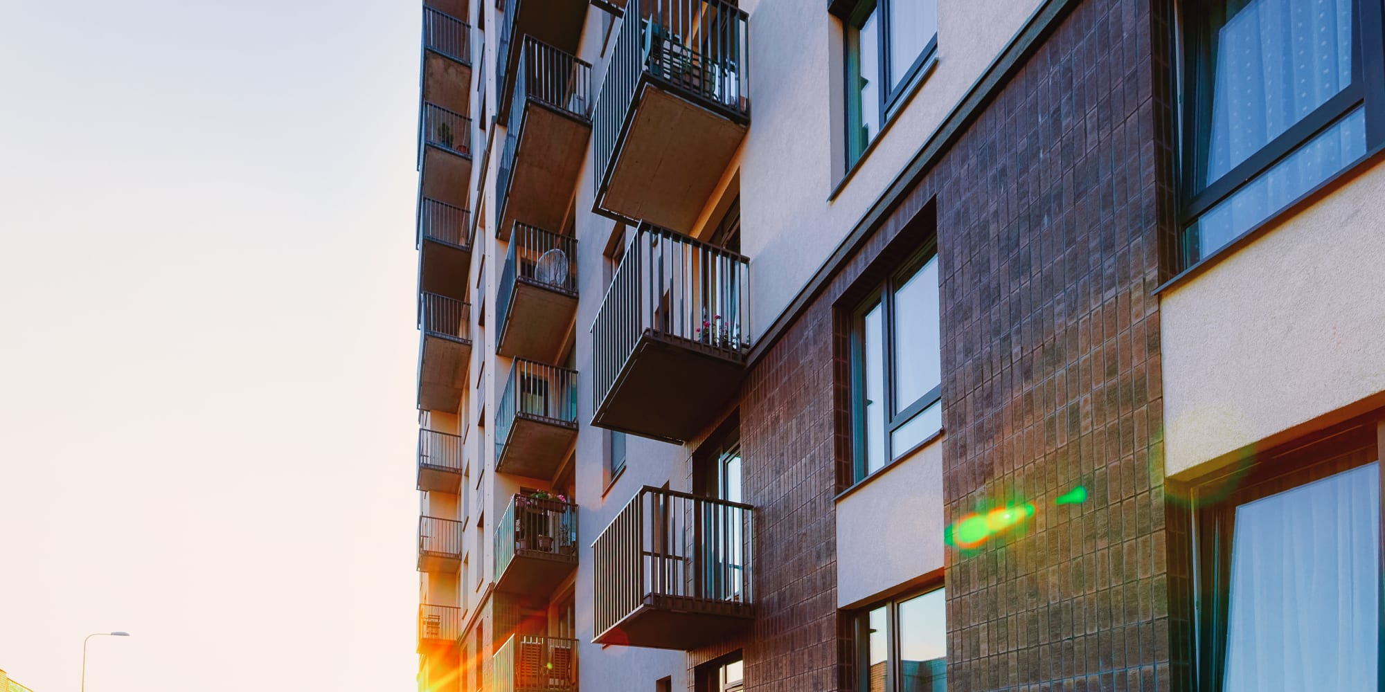Oaks Properties in Minneapolis, Minnesota offers multifamily housing