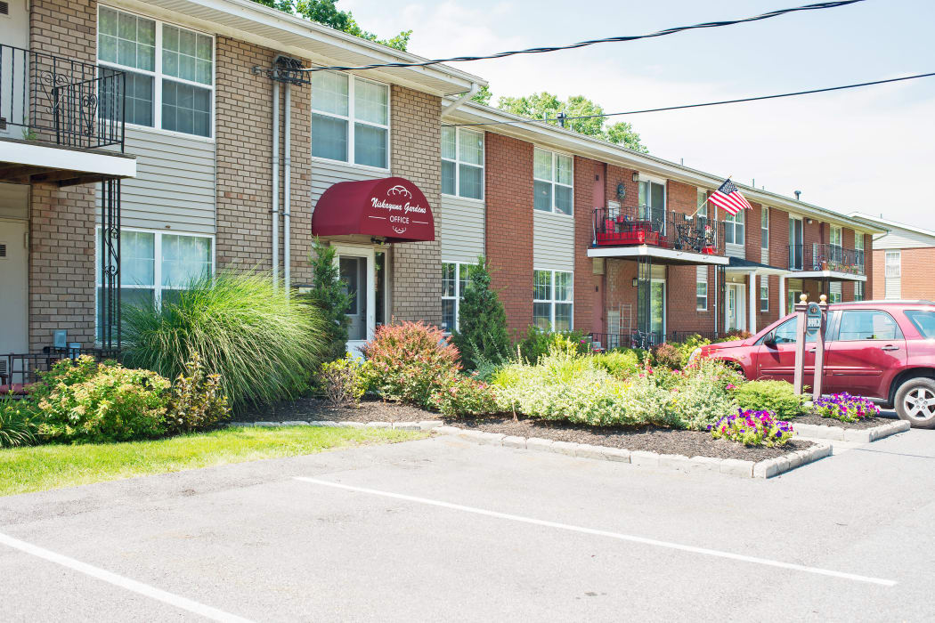 Niskayuna Gardens offers a parking area in Niskayuna, NY